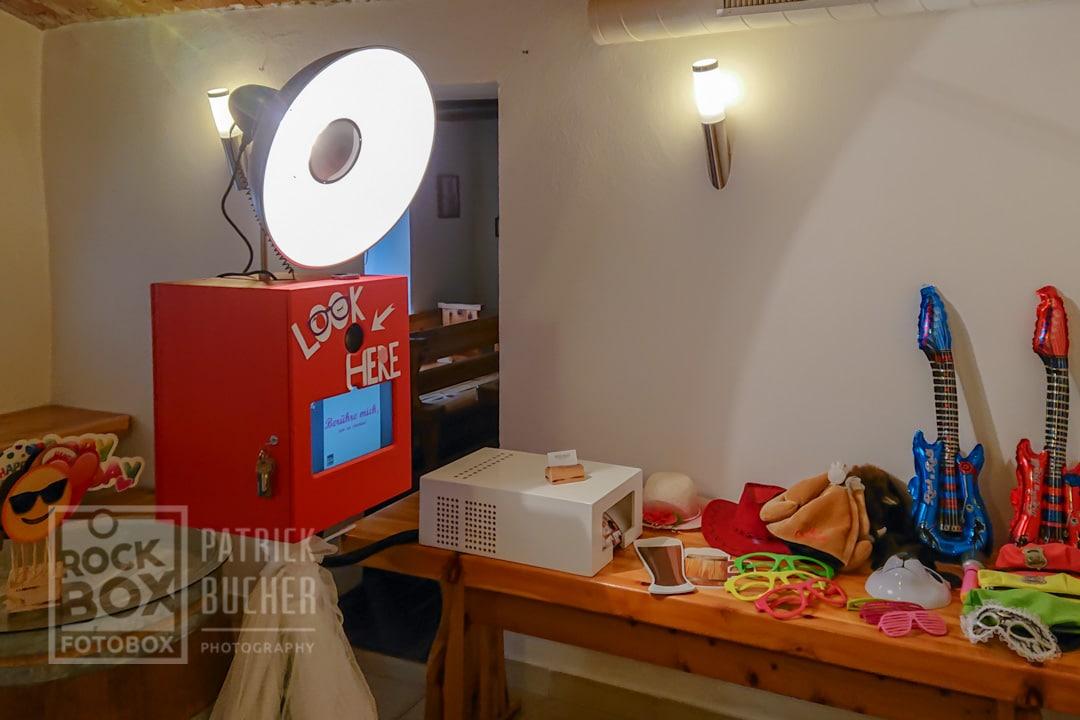 Aufbau der RockBox Fotobox bei der Geburstagsfeier in Neckenmarkt, Bezirk Oberpullendorf