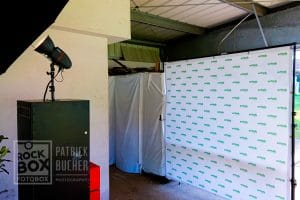 Aufbau der Fotobox beim Waldquelle Familienwandertag in Kobersdorf